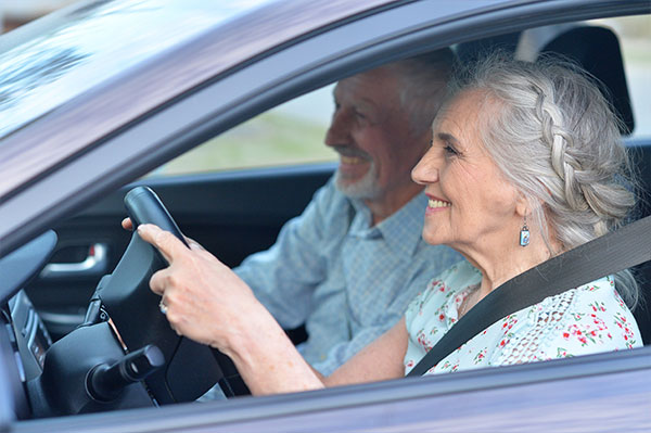 How to Help Seniors Stay Safe on the Road